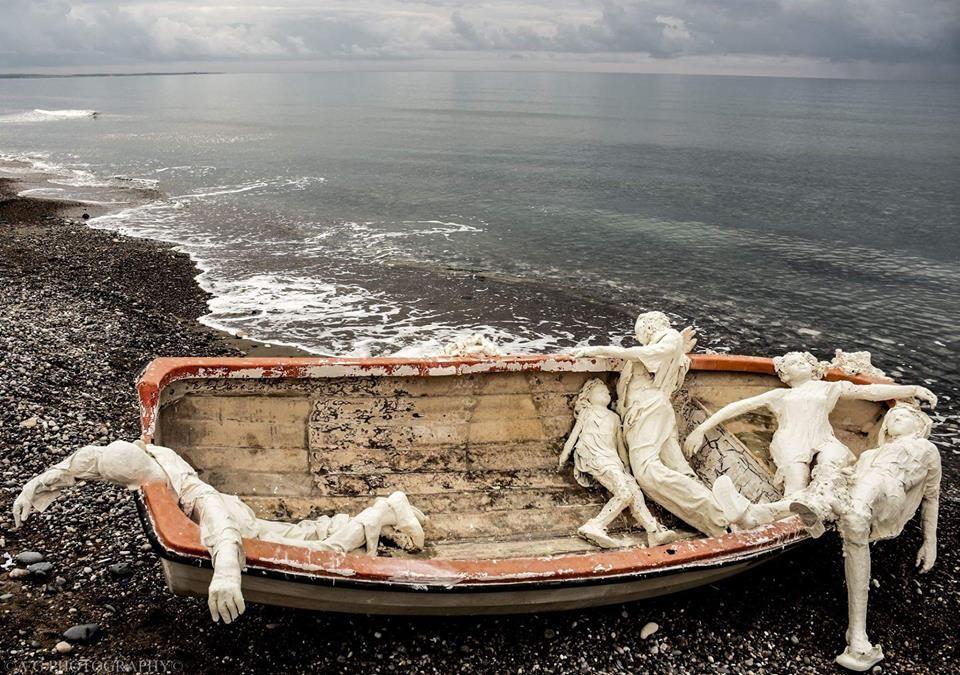 Инсталляция Иммигранты выиграла приз галереи Saatchi.Вокруг Света. Украина