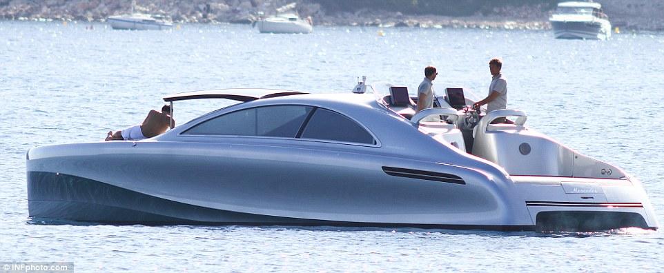 Первая моторная яхта от Mercedes-Benz: круче, чем у Джеймса Бонда.Вокруг Света. Украина