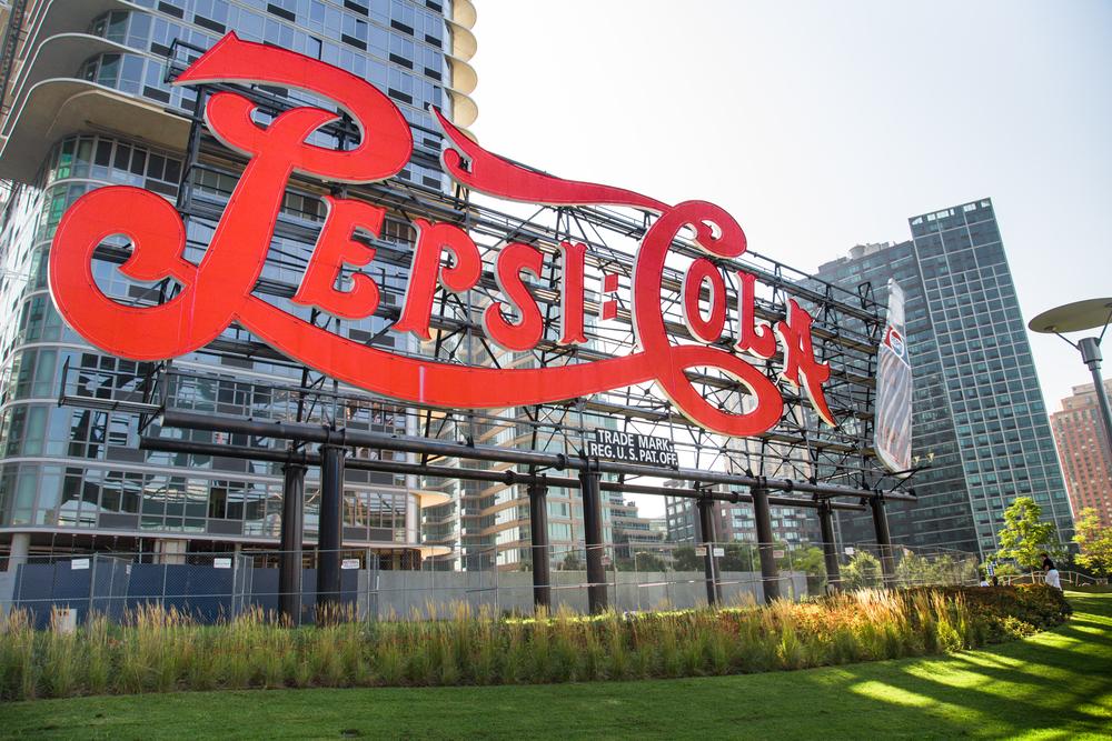 Знак Pepsi-Cola в Нью-Йорке признали достопримечательностью.Вокруг Света. Украина