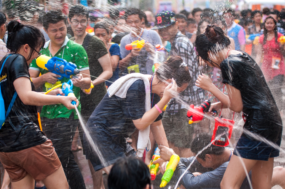 Сонгкран – фестиваль водных боев.Вокруг Света. Украина