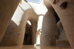 Сказочный подземный мир посреди пустыни