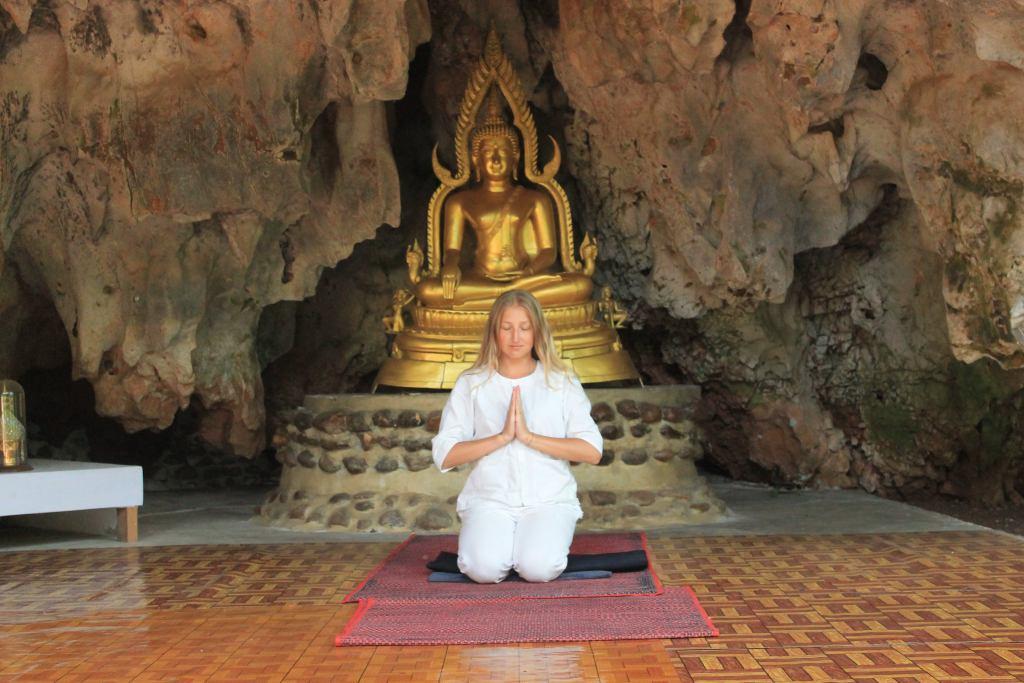 Жизнь в буддийском монастыре и поиск себя в горах Таиланда.Вокруг Света. Украина