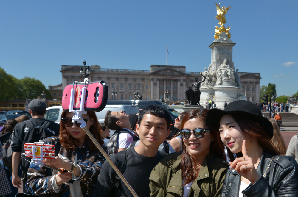Китайцы все больше и больше тратят на путешествия