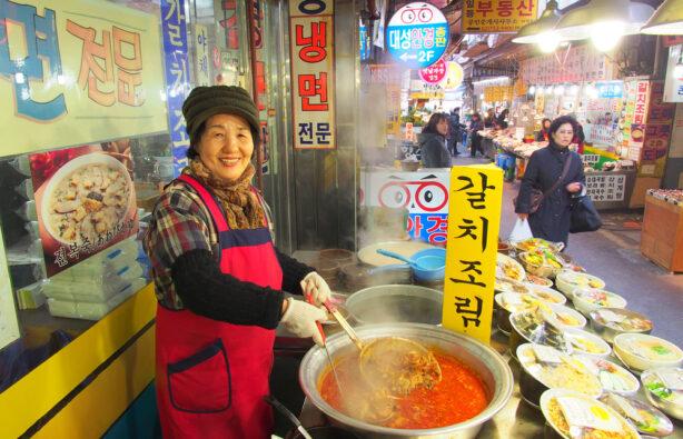 Namdaemun - традиционный корейский рынок в Сеуле