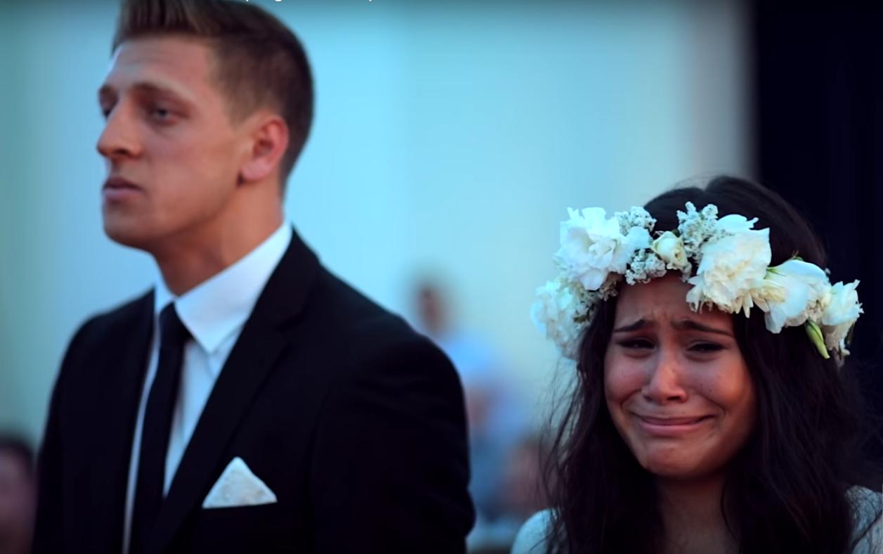 Танец гостей довел невесту до слез