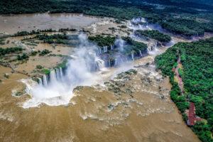 Грандиозные водопады Игуасу и особенности местной кухни. Записки из Аргентины