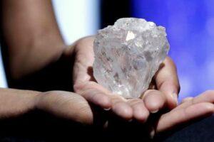Lesedi la Rona – самый большой в мире алмаз