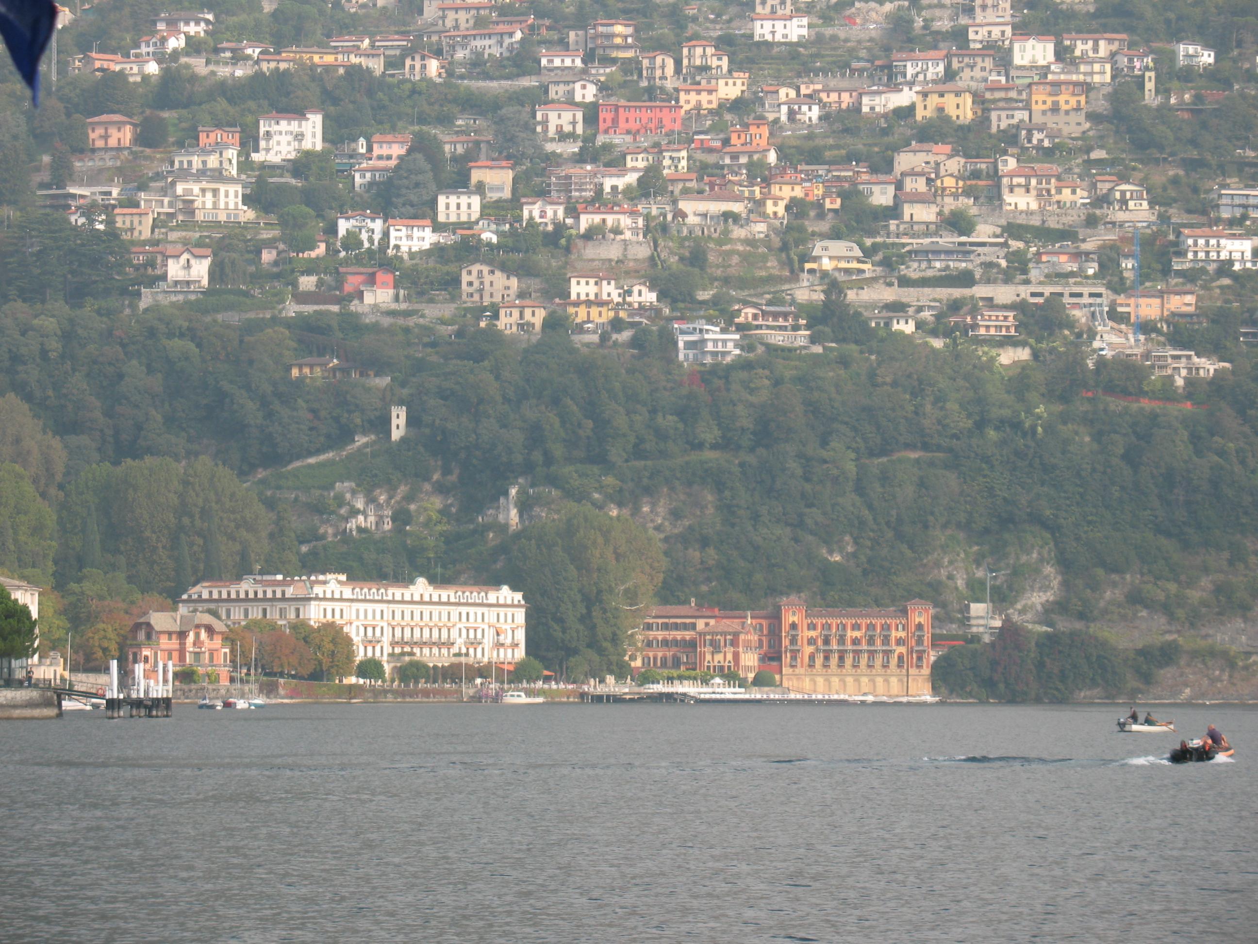 Вид с озера на виллу д'Эсте, Черноббио, озеро Комо