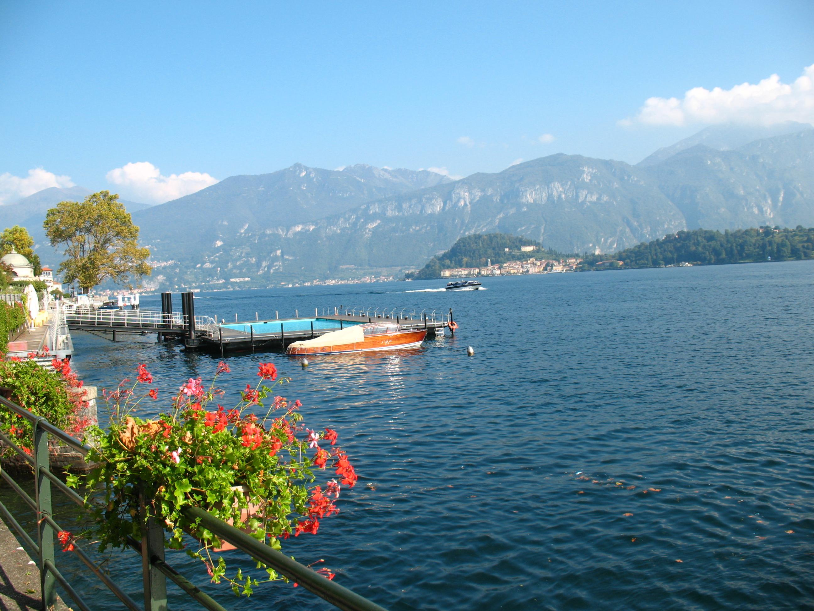 Озеро Комо в районе Тремеццо