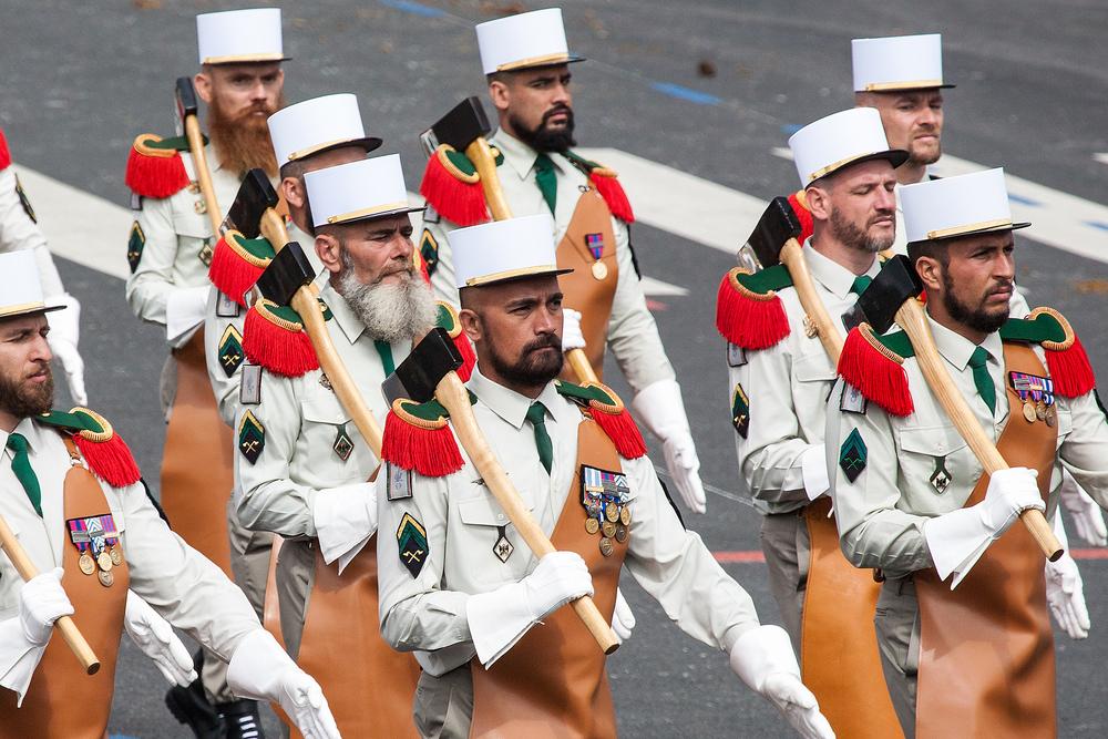 В параде в Париже примут участие австралийцы и новозеландцы.Вокруг Света. Украина