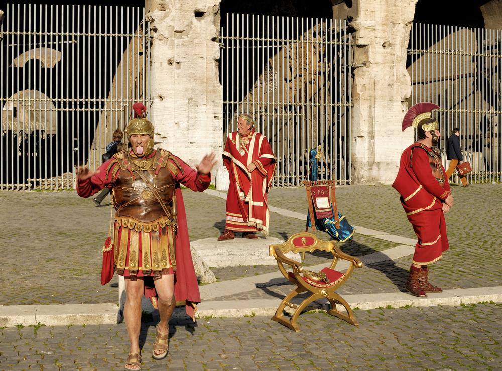 Гладиаторы больше не будут оббирать туристов в Риме.Вокруг Света. Украина