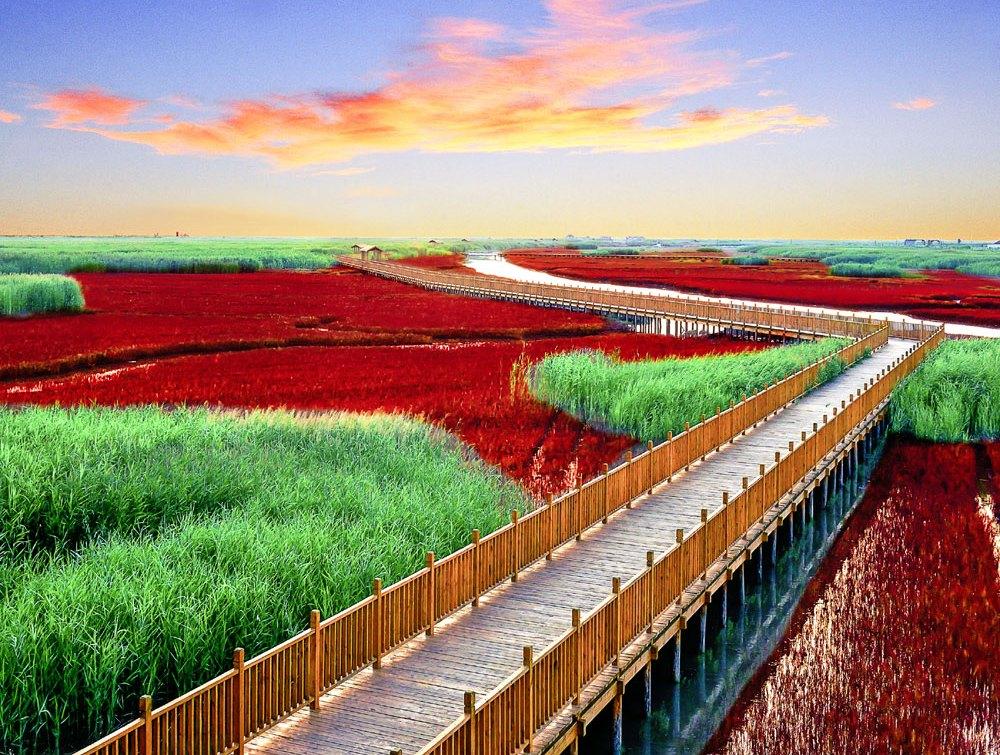Красные реки в Китае.Вокруг Света. Украина