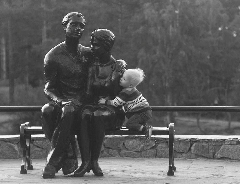Дети в городском интерьере.Вокруг Света. Украина