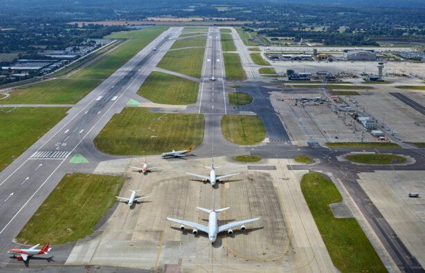 Самый загруженный месяц в аэропорту Гатвик