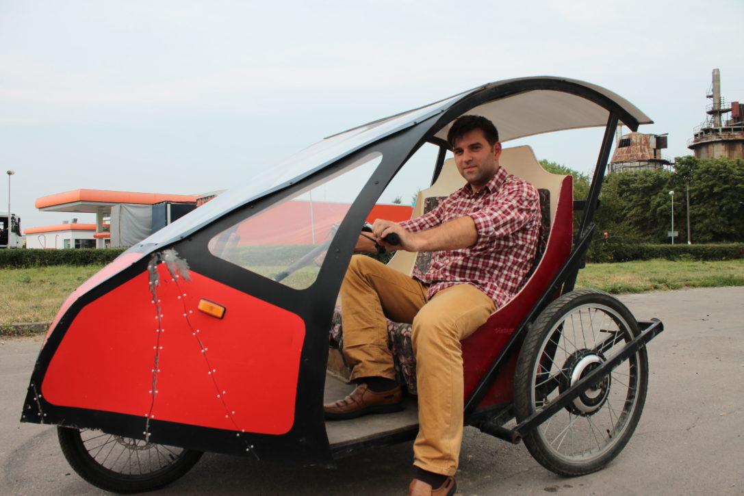 Украинец создал сверхэкономный электромобиль