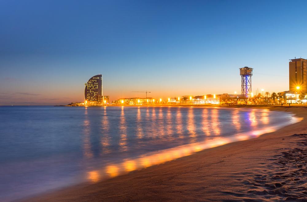 Пляж на закате, Барселона