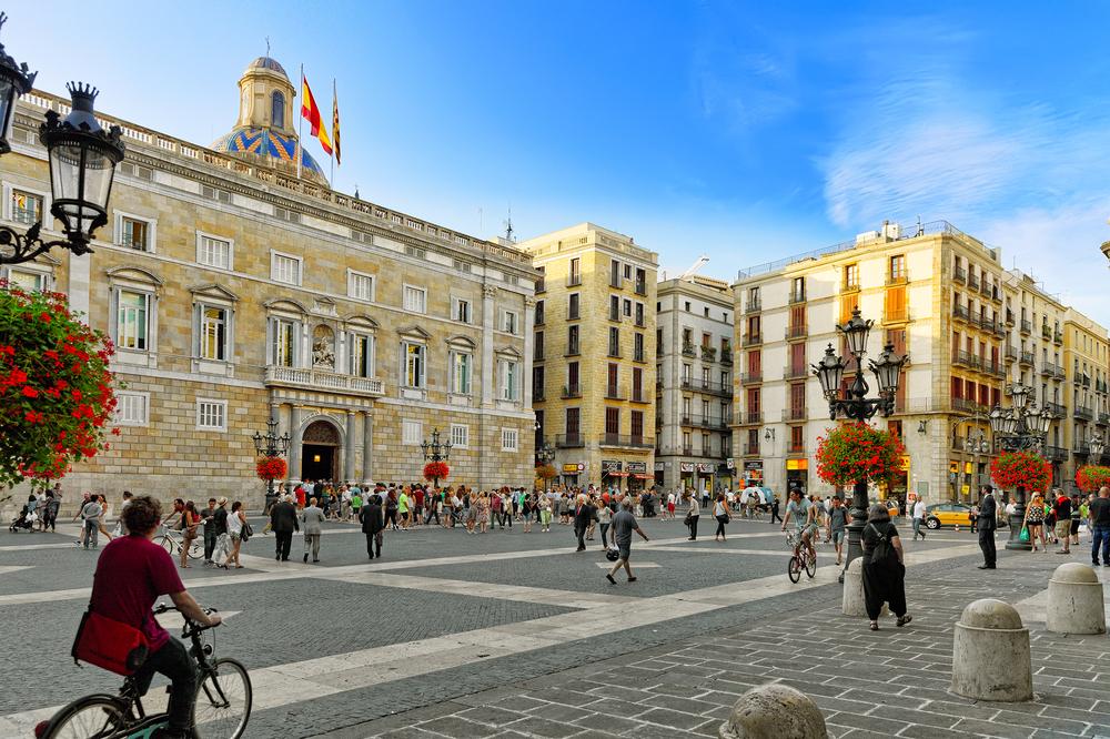 Преимущества и недостатки жизни в Испании. Записки из Барселоны