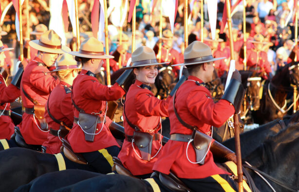 Королевская конная полиция (RCMP) в Оттаве, Канада