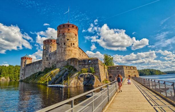 Olavinlinna Olofsborg - средневековый замок XV века, расположенный в Савонлинне