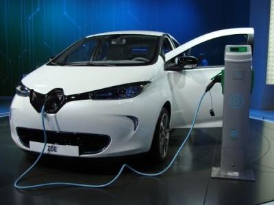Zoe Renault используется в тесте такси без водителя в Сингапуре.