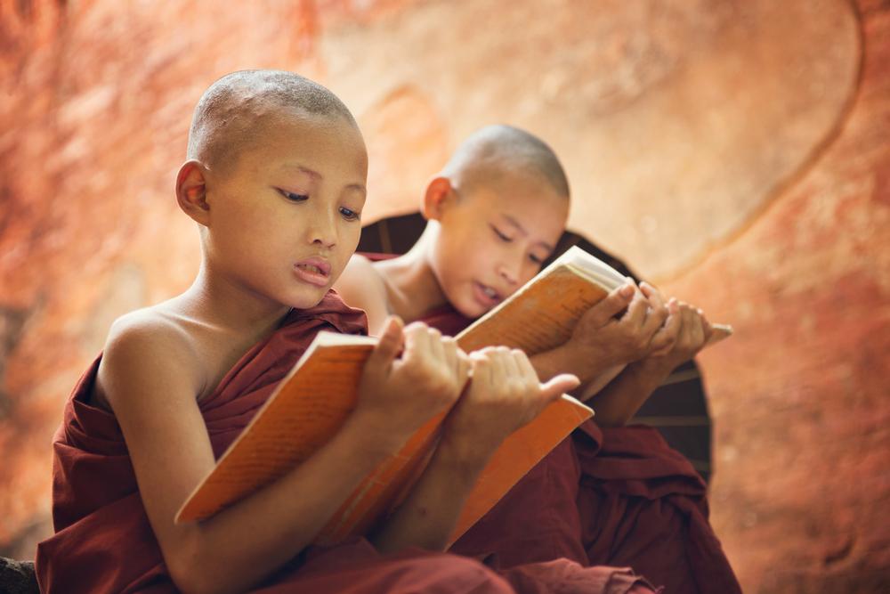 Дети-монахи в буддийских монастырях.Вокруг Света. Украина