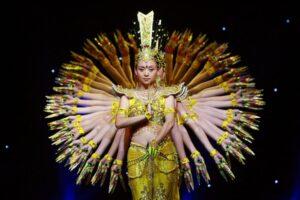 Танец «Тысячерукая Гуаньинь»