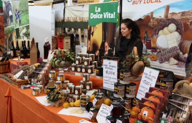 Международная ярмарка вкусов и медленной пищи в Турине, Италия