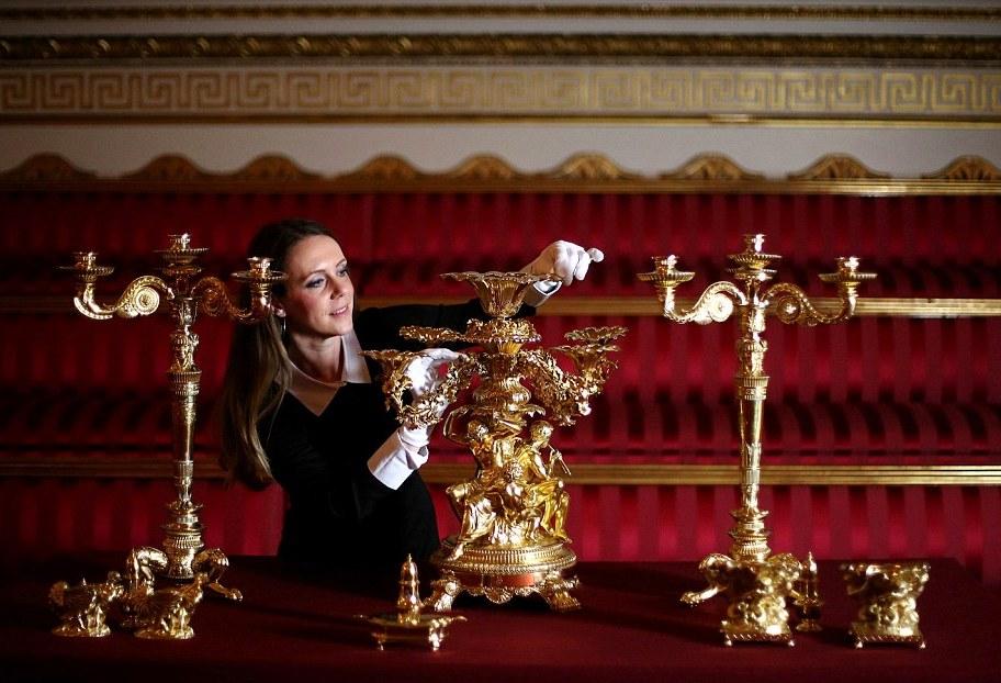 Как получить работу в Букингемском дворце