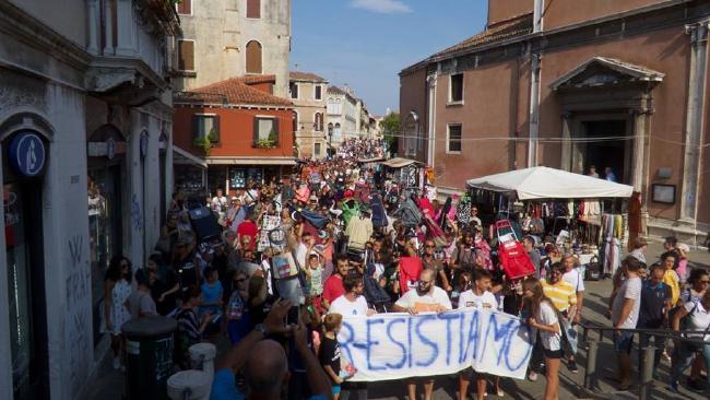 Жители Венеции против туристов.Вокруг Света. Украина