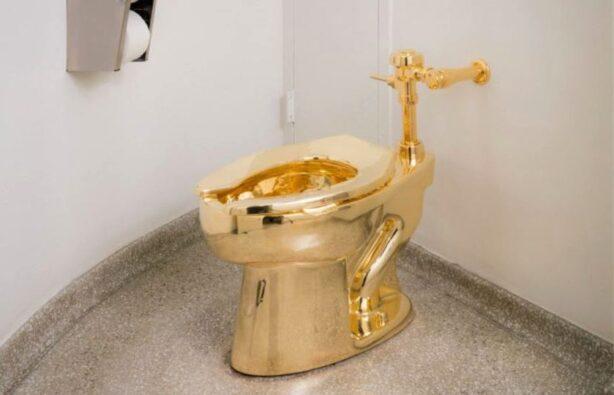 золотой унитаз