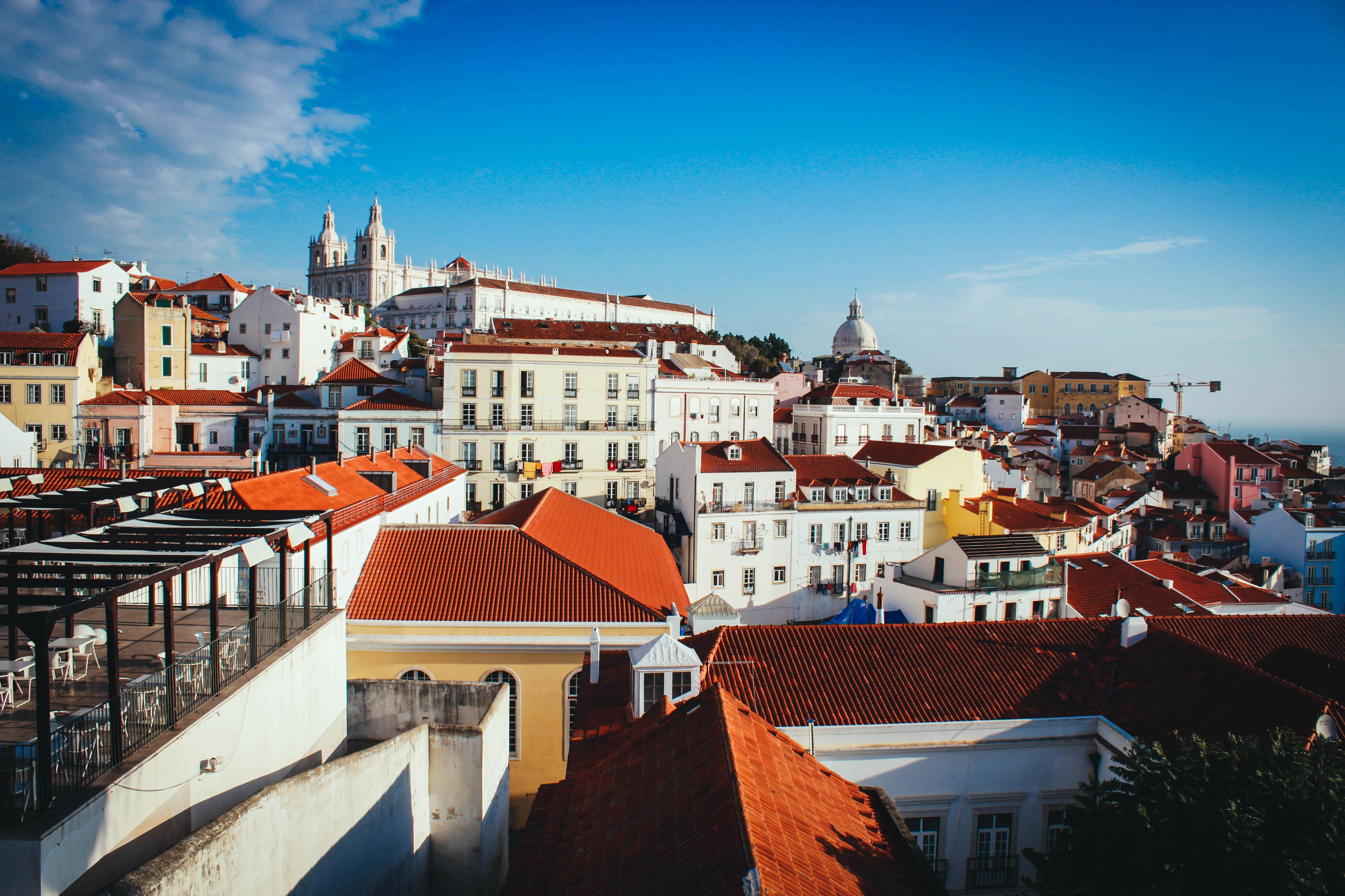 Лиссабон. Гуляя по старинным улочкам Альфамы