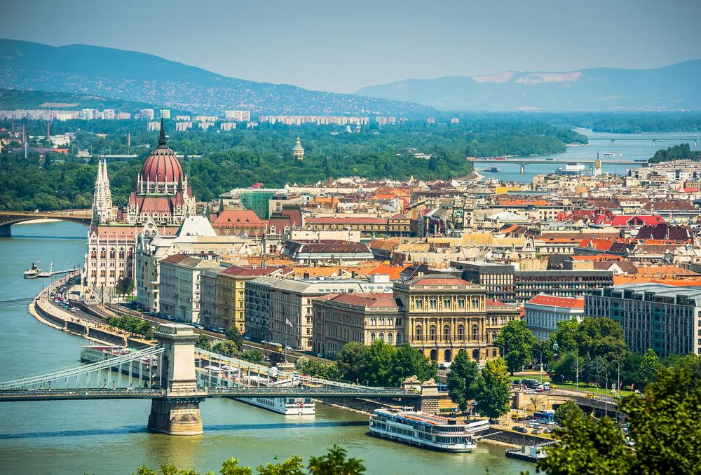 Будапешт - это повесть о двух городах, разделенных Дунаем.Вокруг Света. Украина