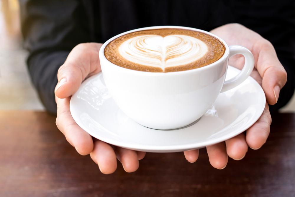Девушка и кофе.Вокруг Света. Украина