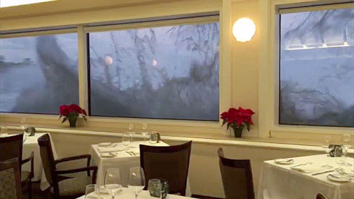 Ресторан с ужасающим видом