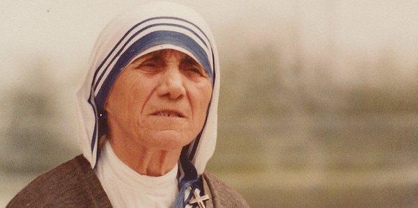 День Матери Терезы в Албании