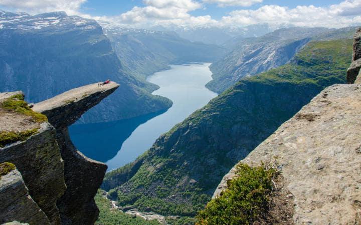 Чудесам природы в Норвегии угрожают туристы.Вокруг Света. Украина