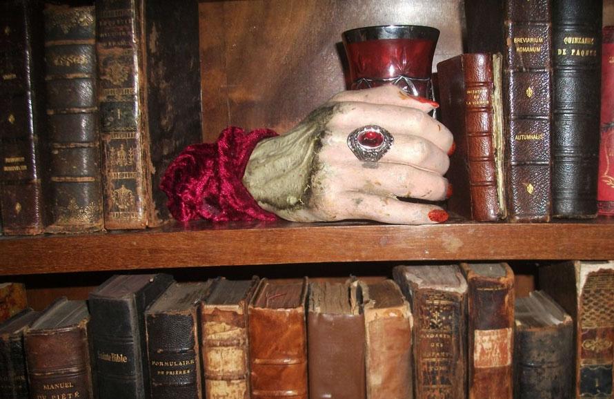 В Париже открылся первый в мире музей вампиров.Вокруг Света. Украина