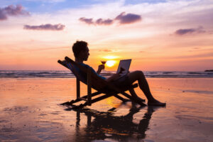 8 необычных профессий для любителей путешествий