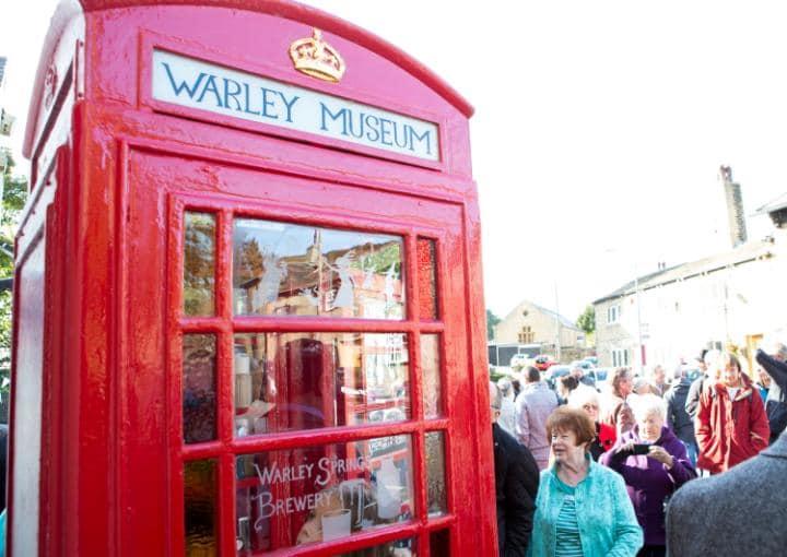 Британцы превратили телефонную будку в музей.Вокруг Света. Украина