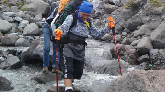 77-летняя украинка катается на роликах и покоряет горы.Вокруг Света. Украина
