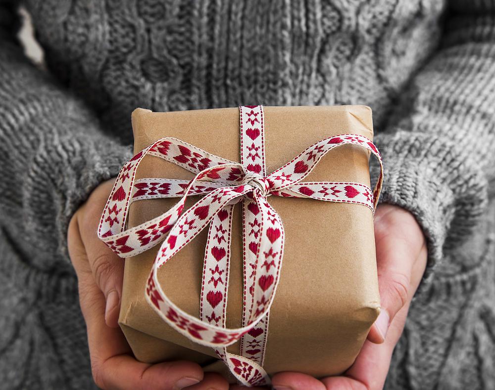 Чего не стоит дарить на новогодние праздники.Вокруг Света. Украина