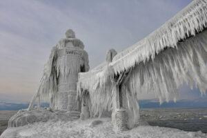 Ледяной маяк
