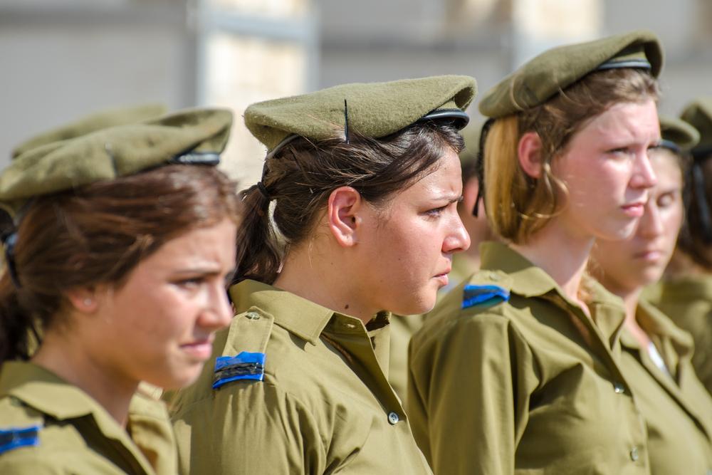 Израильтянки все чаще выбирают службу в боевых частях