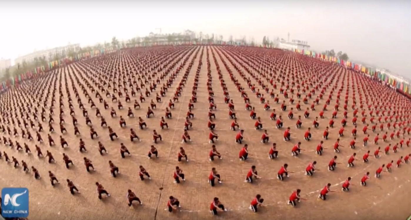 Кунг-фу в исполнении 10 тысяч китайцев