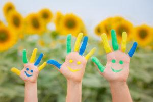 Больше половины украинцев считают себя счастливыми людьми
