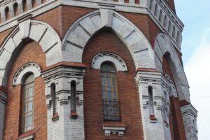 Старинная башня Мариуполя становится культурным центром