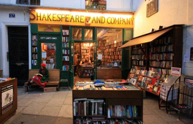 1_1-614x395 Легендарные книжные магазины в Европе