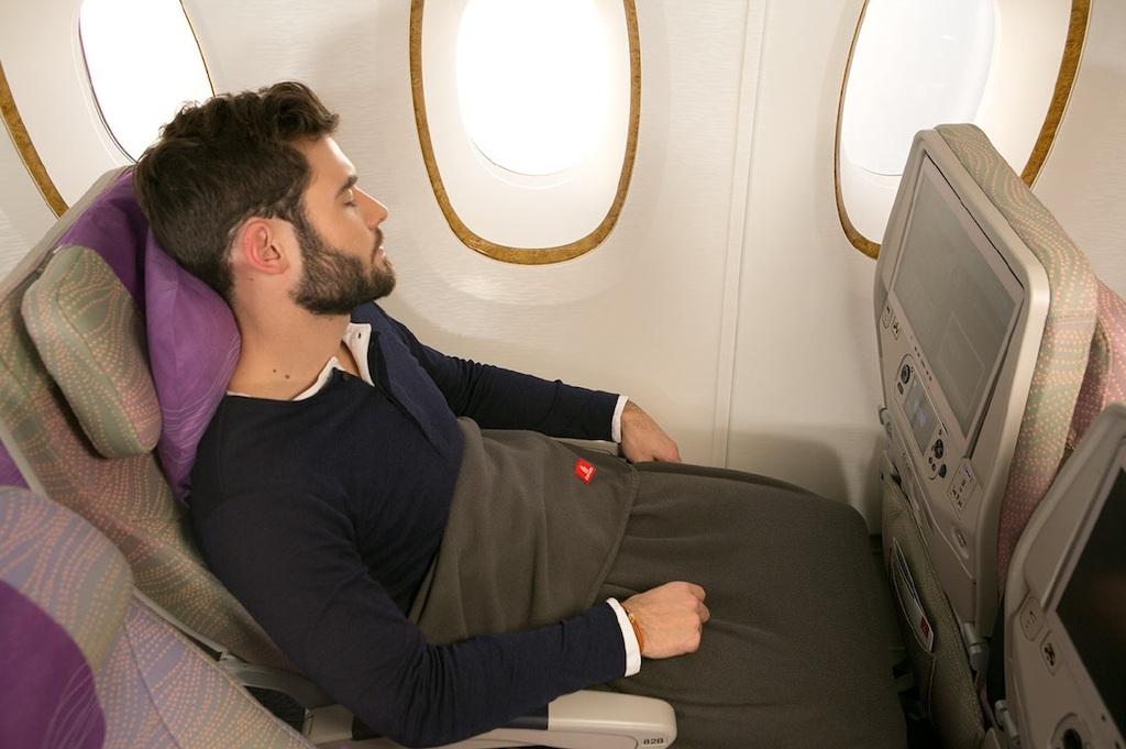 Emirates предлагает своим пассажирам одеяла из переработанного пластика