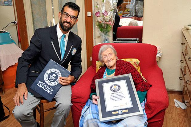 117-летняя женщина говорит, что жить ей помогает одиночество