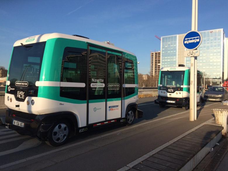 В Париже курсируют автобусы без водителя.Вокруг Света. Украина